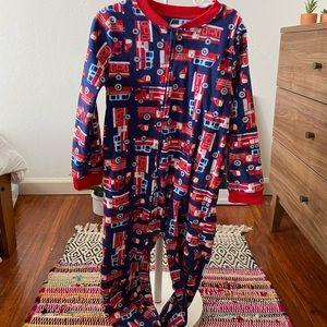 🦋 Carter's Fleece Firetruck Footie Pajamas SZ 6
